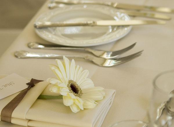 lista-nozze-tavola-apparecchiata